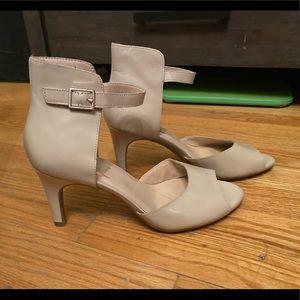 Shoes - Open toe sandals